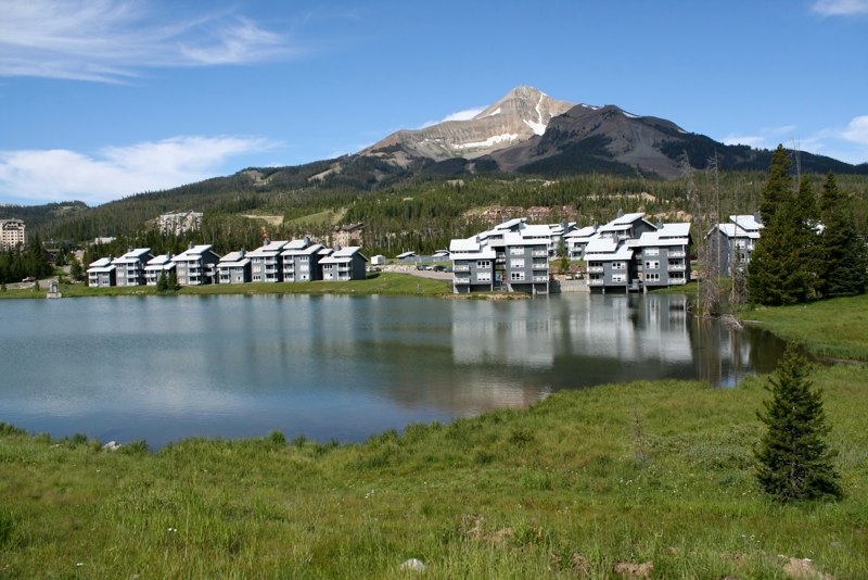 lake1 MONTANA   Lake Condominiums at Big Sky Resort